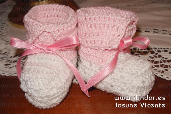 patucos / botitas rosas y blancas en crochet para bebé