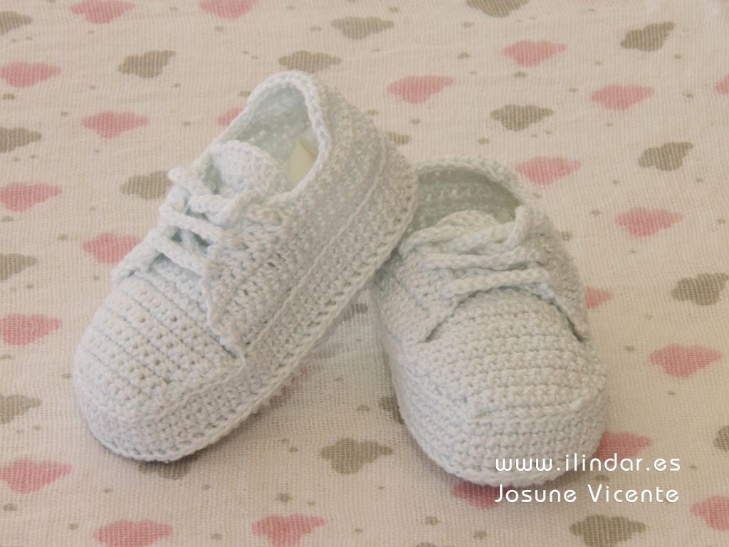 Zapatitos blancos crochet